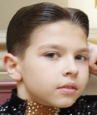 Прическа для мальчика на бальных танцах